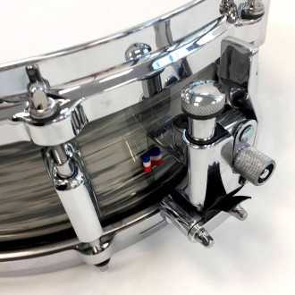 Snare Revelation finish Fade To Gris strainer top view