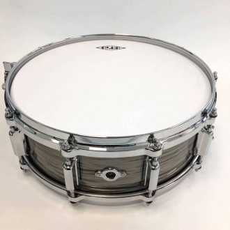 Snare Revelation finish Fade To Gris back + airvent