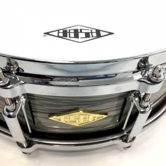 Snare Revelation finish Fade To Gris head + logo + hardware