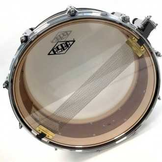 Snare Revelation finish Fade To Gris + back + snare wire + logo