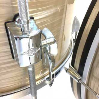 Drums Revelation Charlie White kit detailled view of bass drum hoops and floor tom supports