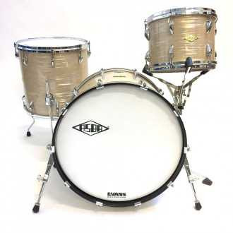 Drums Revelation Charlie White kit overview, bass drum, floor tom, tom 2