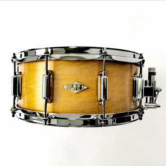 Snare Rive Gauche finish Elvin Jaune front + logo