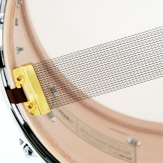 Snare Rive Gauche finish Teck Me Out detail + snare wire