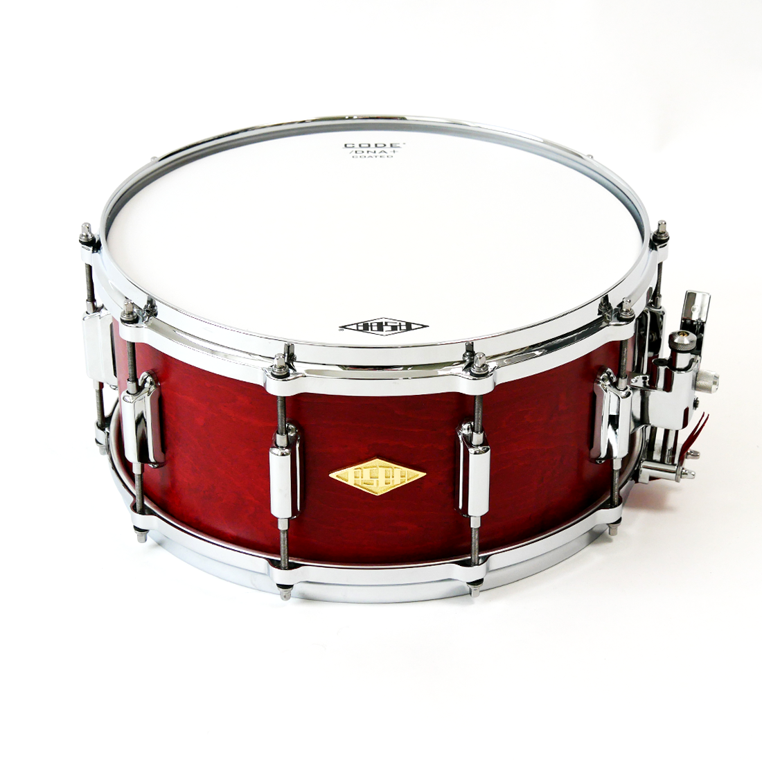 Snare Rive Gauche finish Lou Red full view + front + logo + strainer